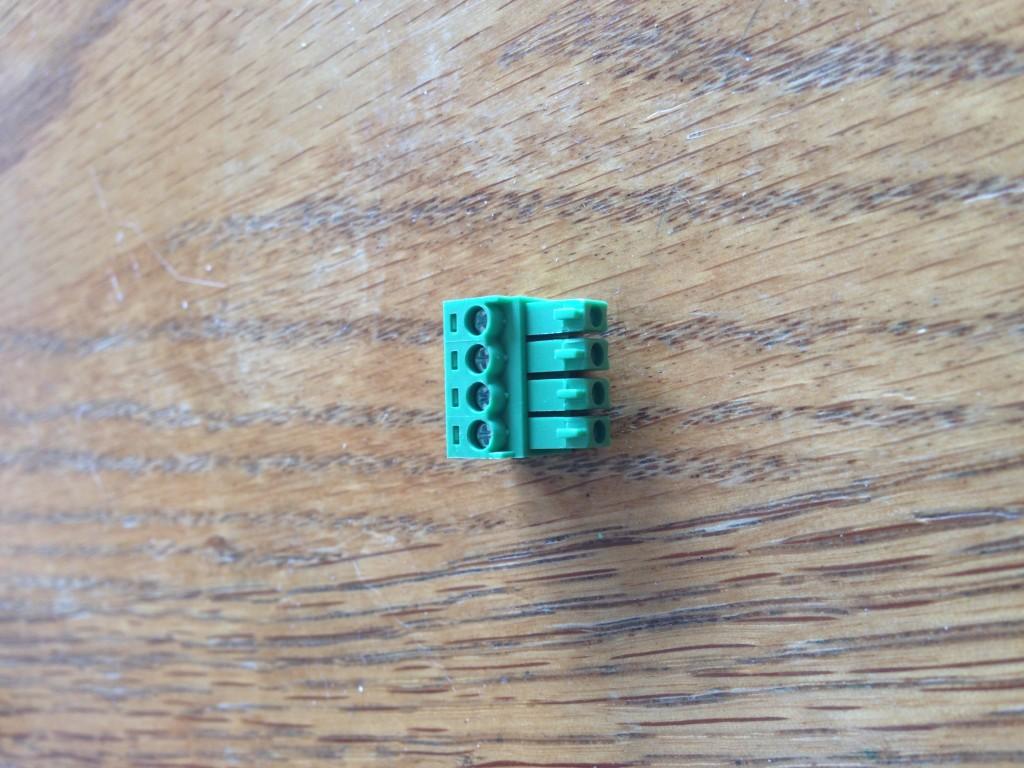 20 E6804 Connector